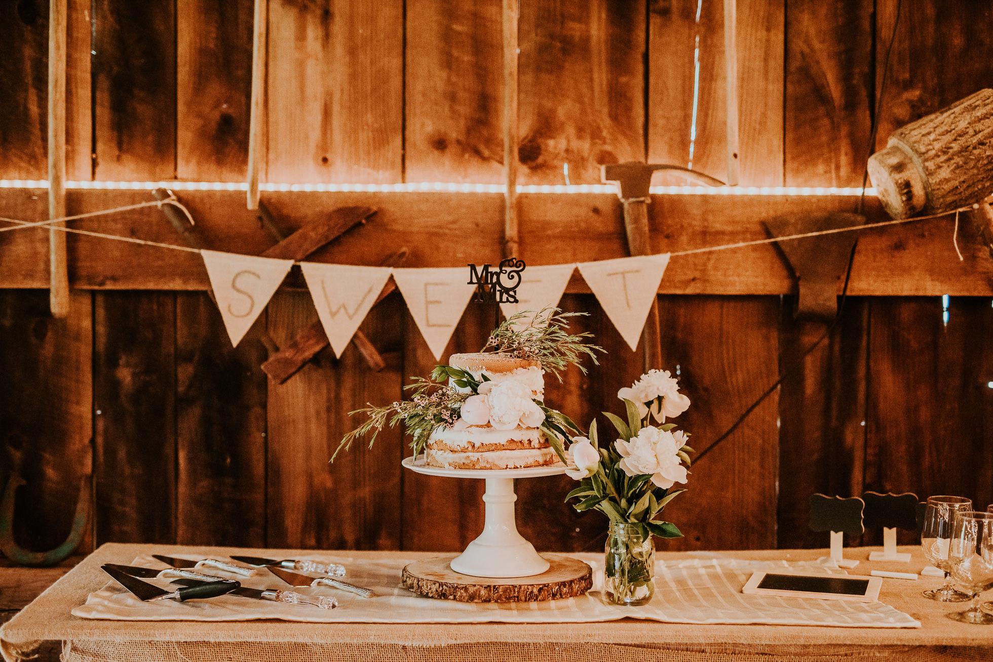 rustic wedding cakes long island