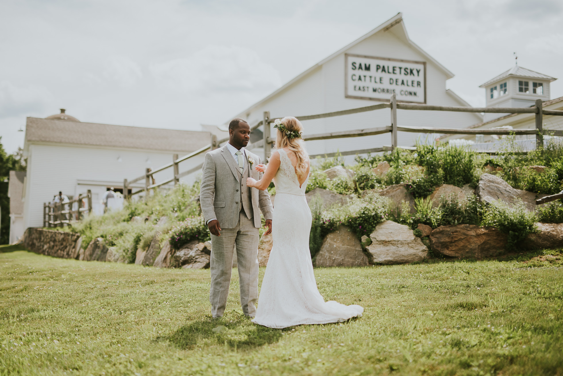Connecticut farm wedding photographed by Traverse the Tides