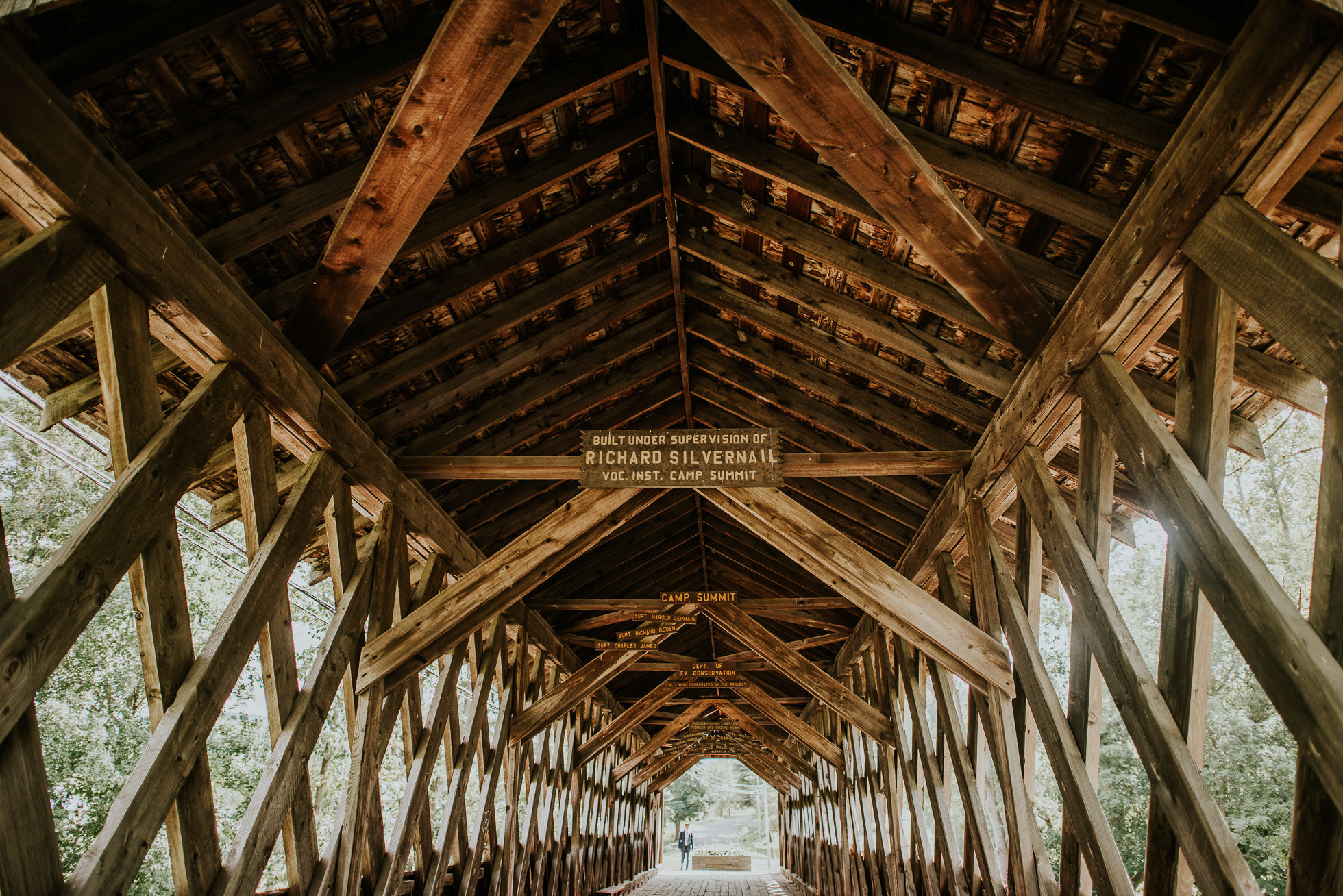 first look at olde tater barn wedding in central bridge, ny photographed by traverse the tides