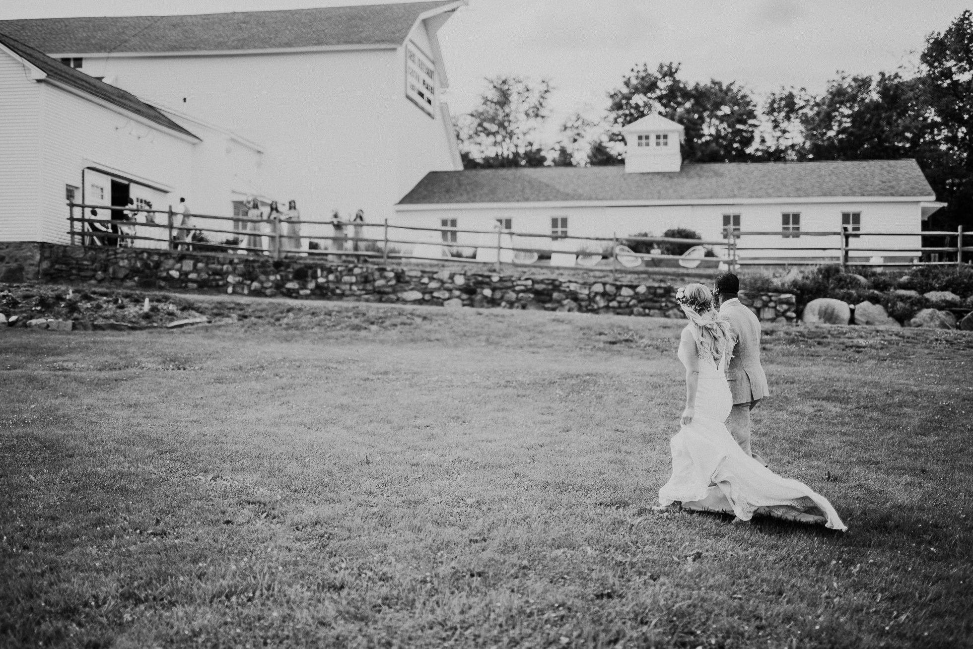 South Farms wedding photos photographed by Traverse the Tides