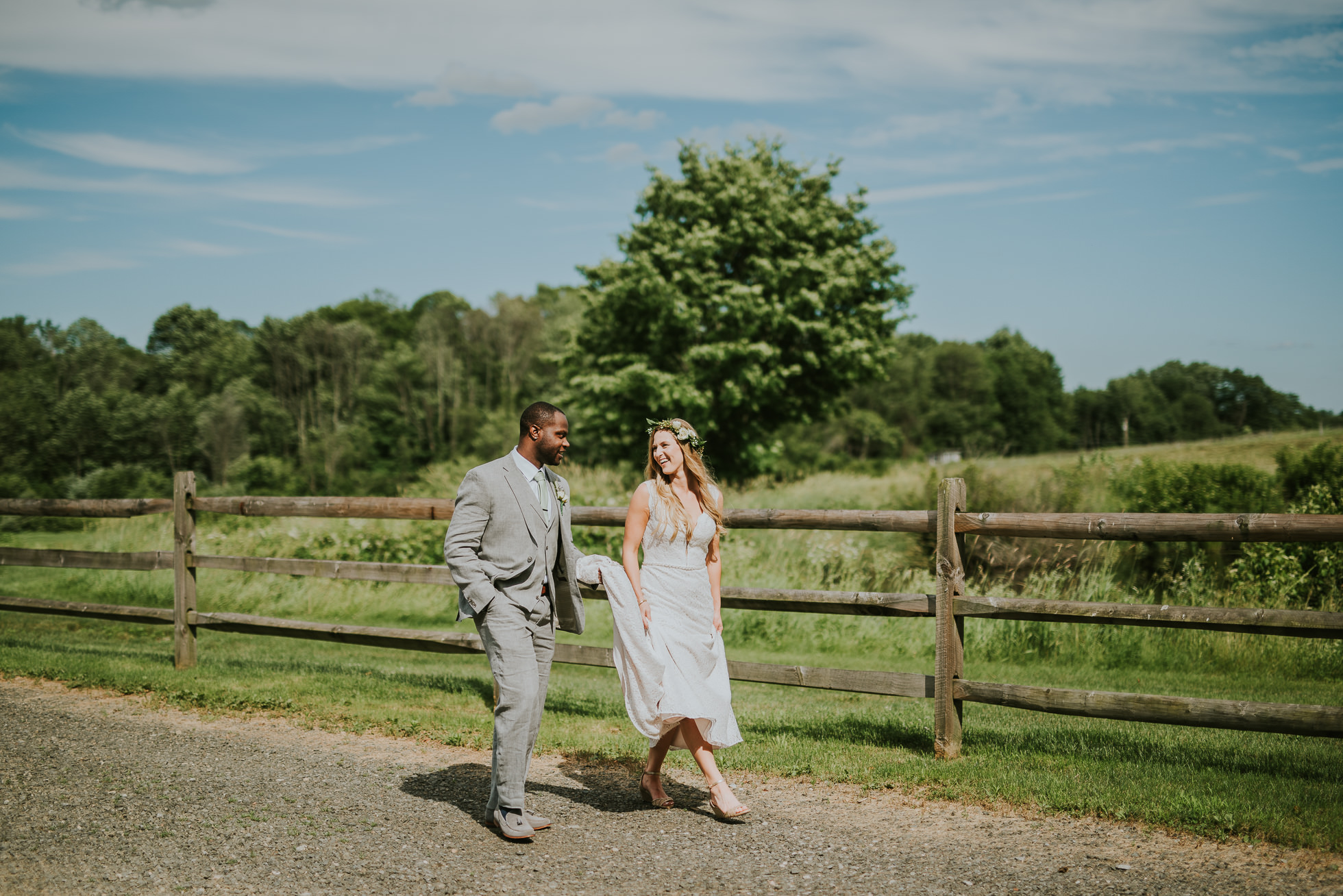 bride and groom country wedding photographed by Traverse the Tides