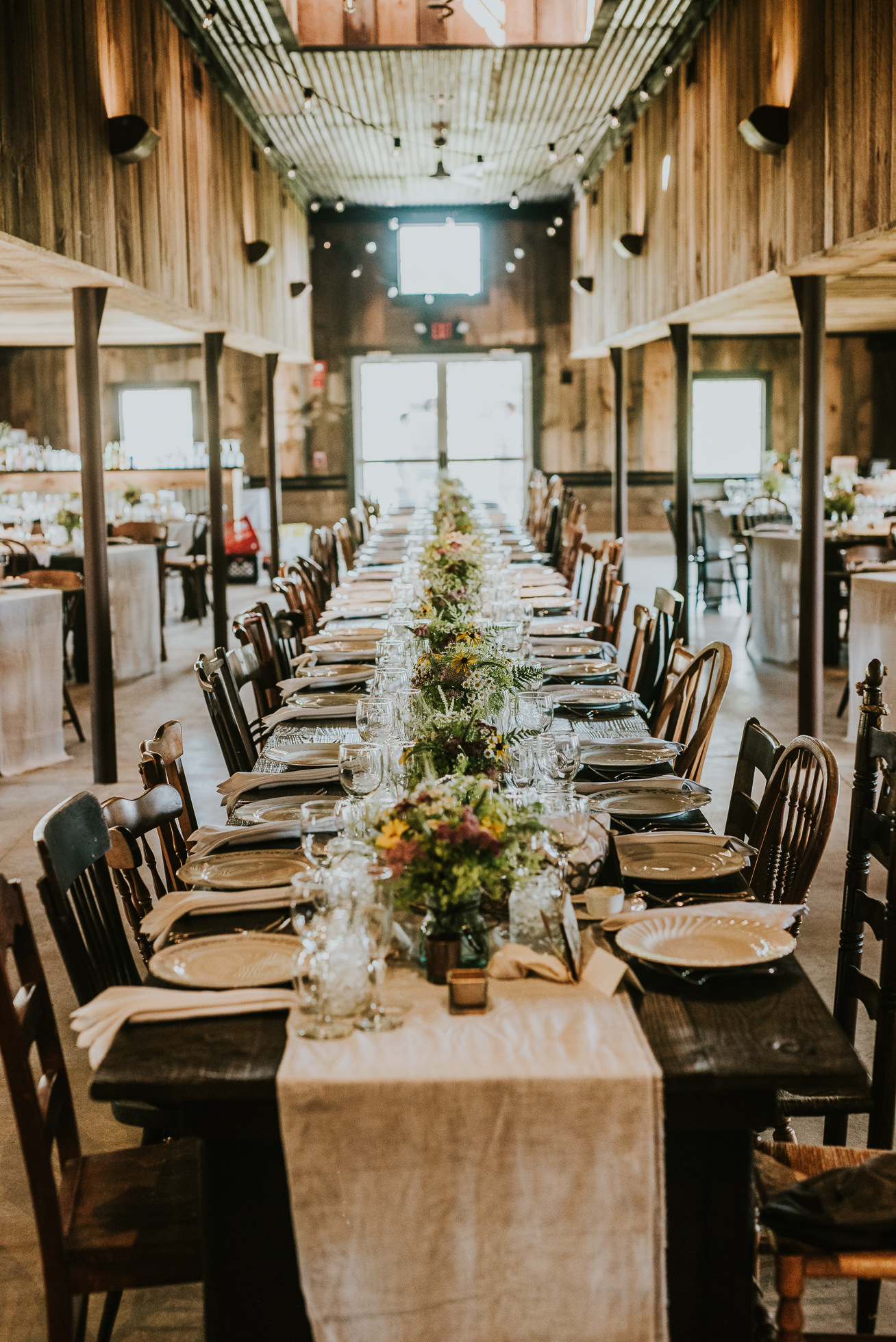 South Farms Connecticut rustic wedding photographed by Traverse the Tides