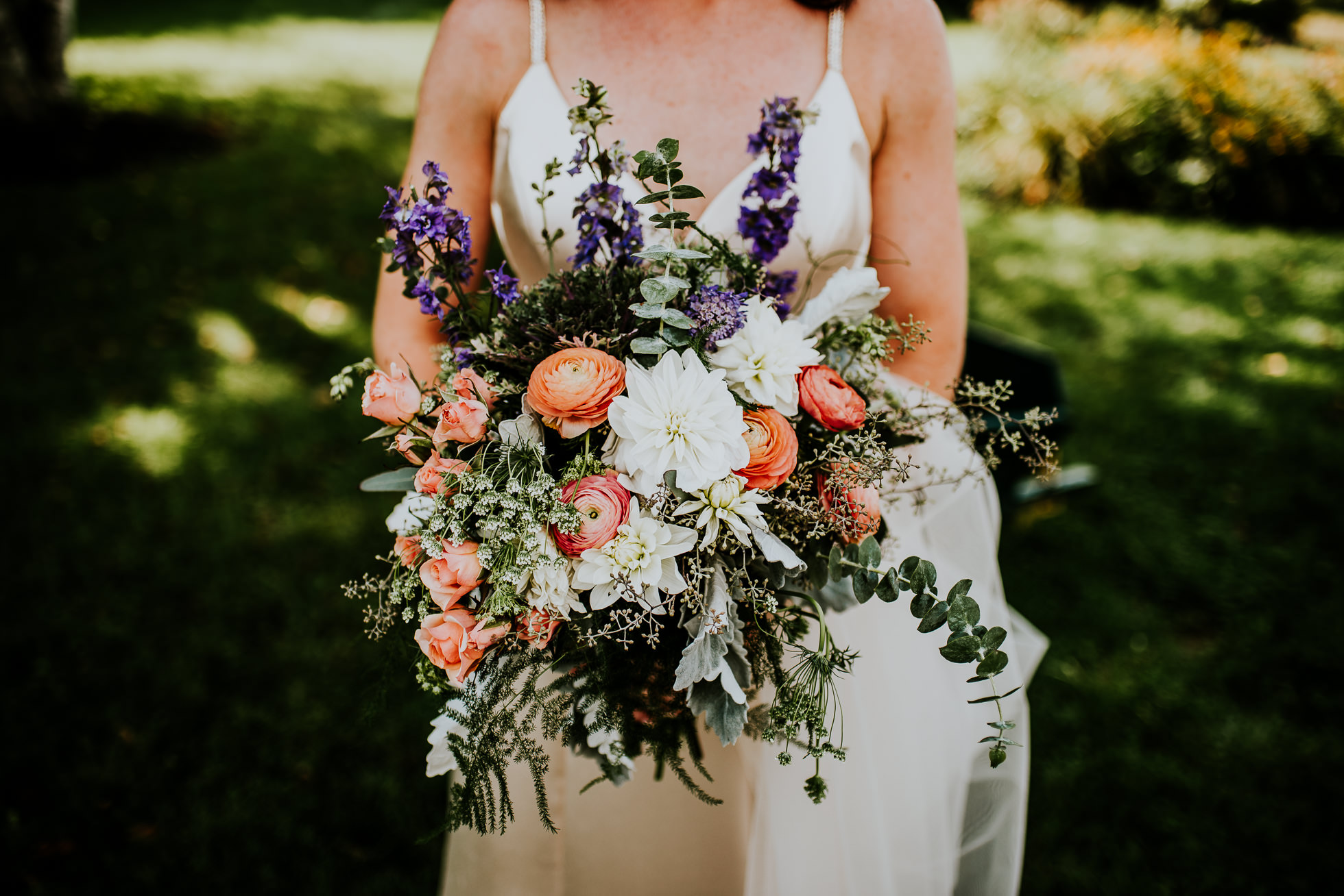 bridal bouquet at olde tater barn wedding in central bridge, ny photographed by traverse the tides