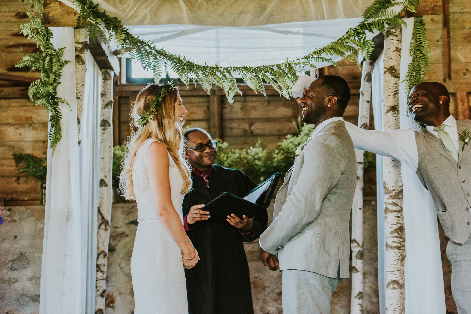 rustic wedding ceremony altar photographed by Traverse the Tides