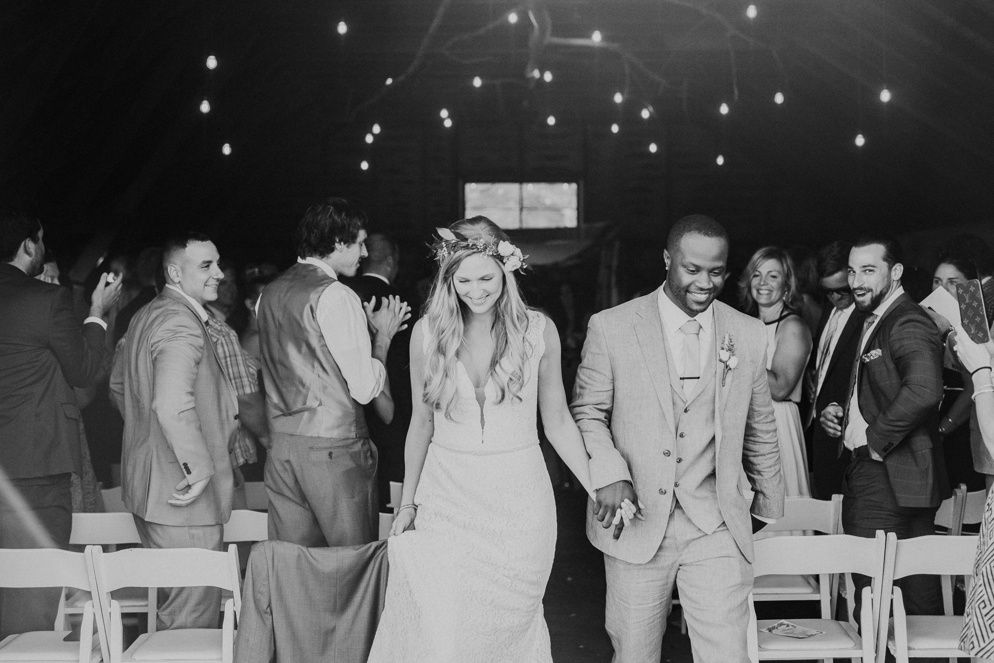 South Farms wedding ceremony photographed by Traverse the Tides