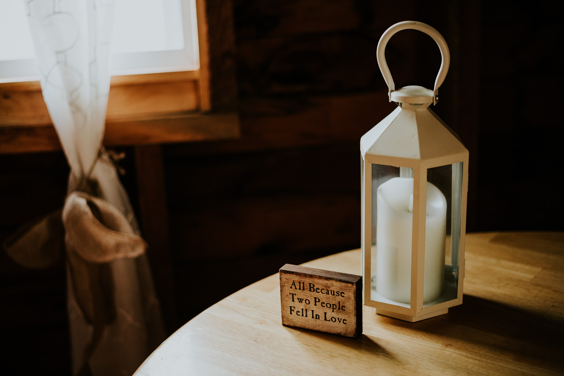 ceremony candle at olde tater barn wedding in central bridge, ny photographed by traverse the tides