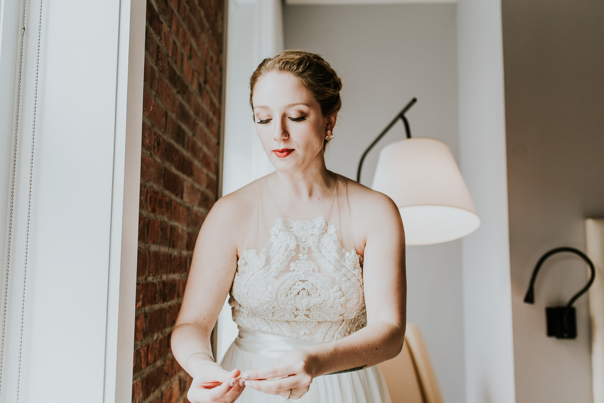 bride jewelry photographed by Traverse The Tides
