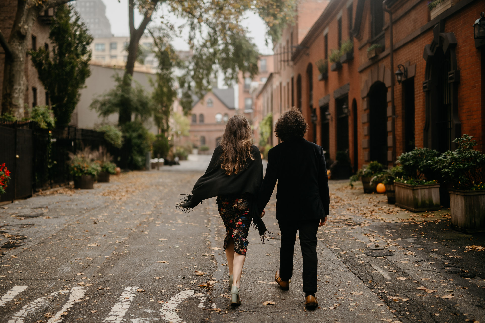 Brooklyn alley engagement photos