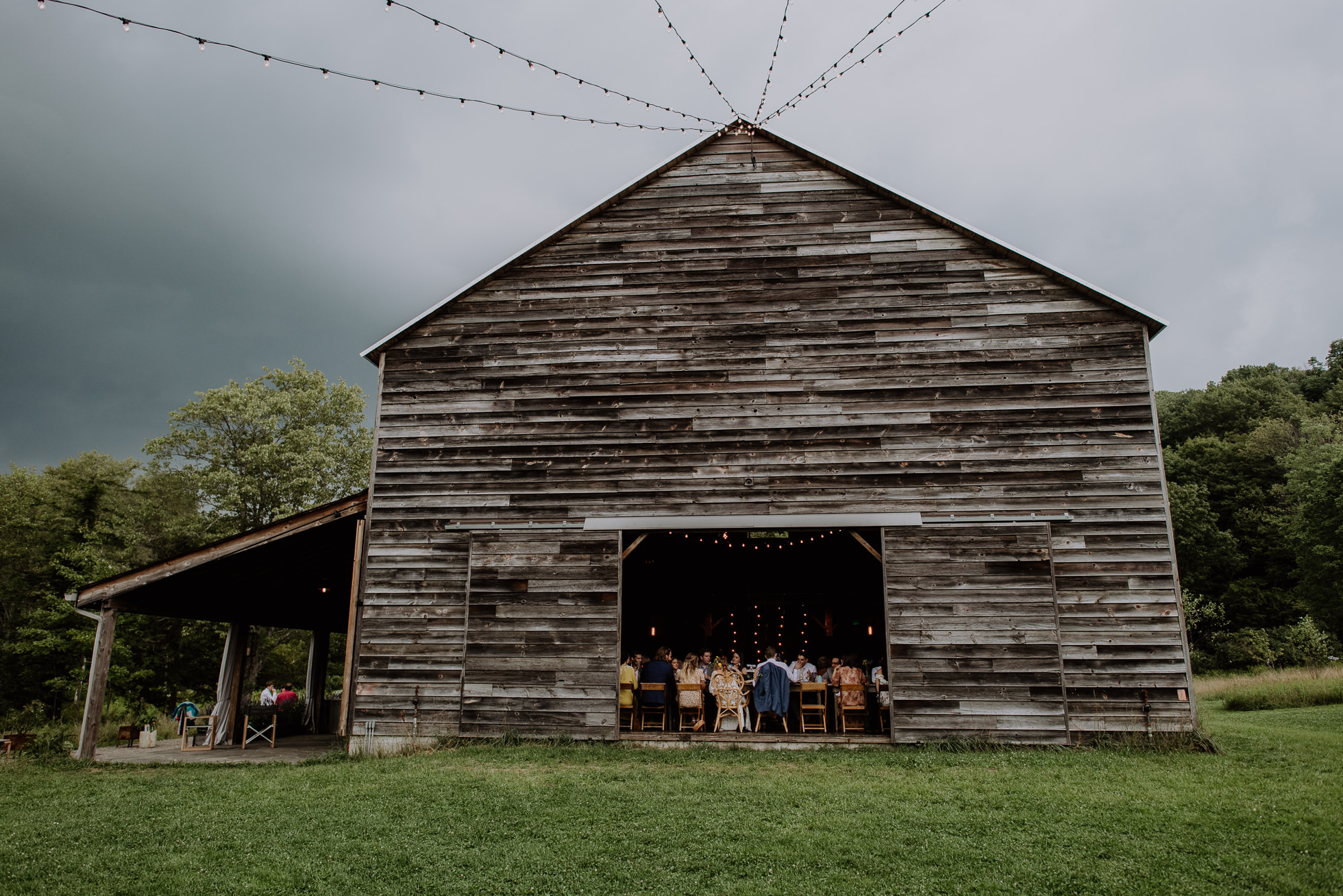 Handsome Hollow barn reception