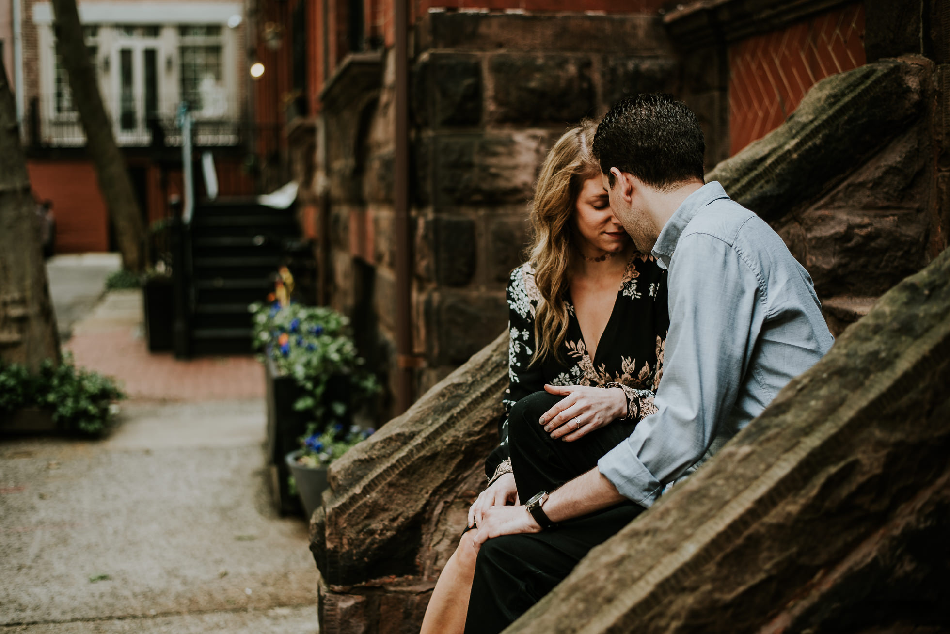 intimate nyc engagement photographed by Traverse the Tides37