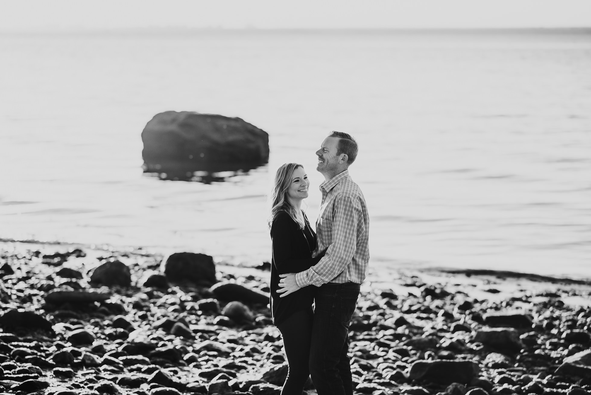 ocean engagement session photographed by Traverse the Tides