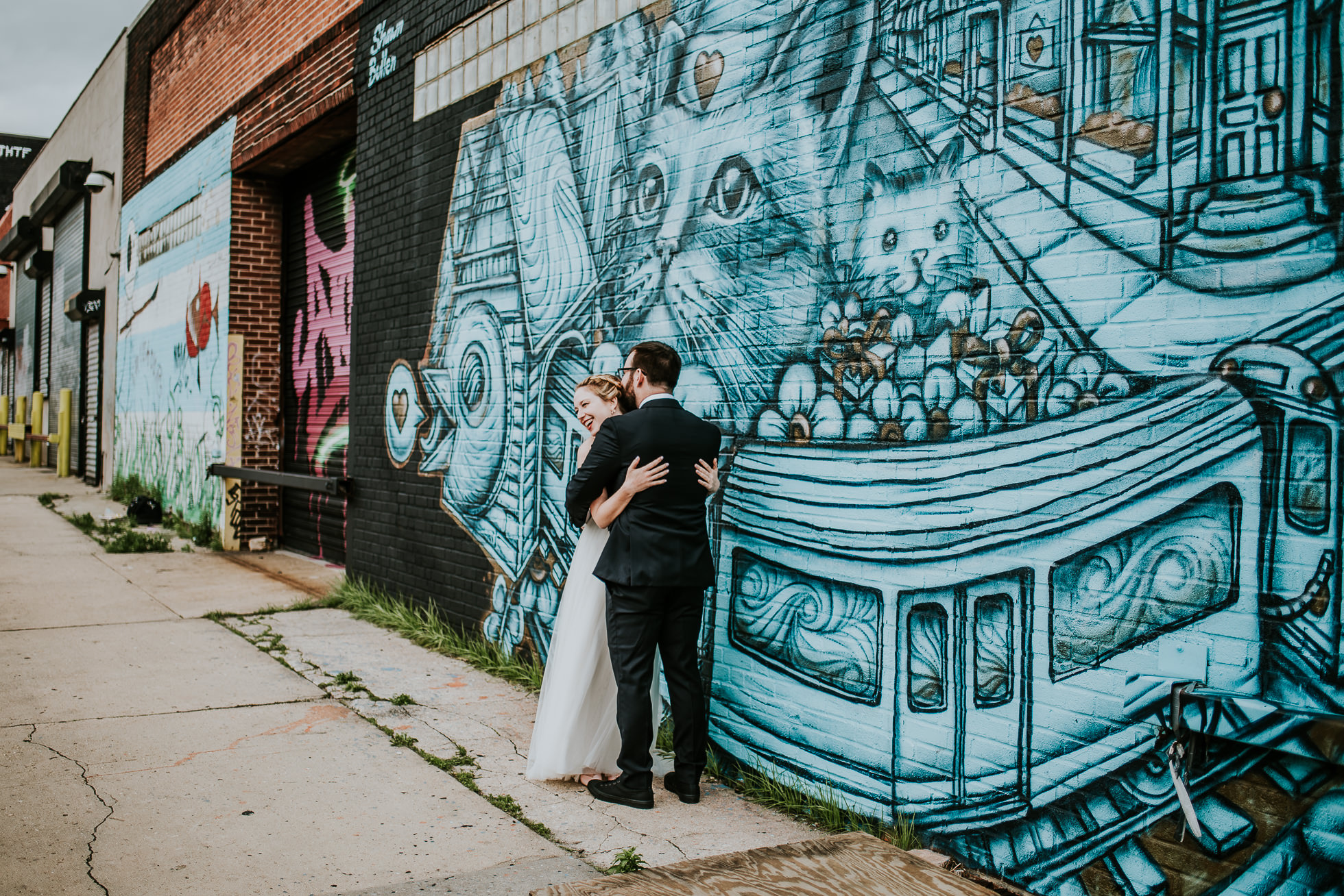 street art wedding photographed by Traverse The Tides
