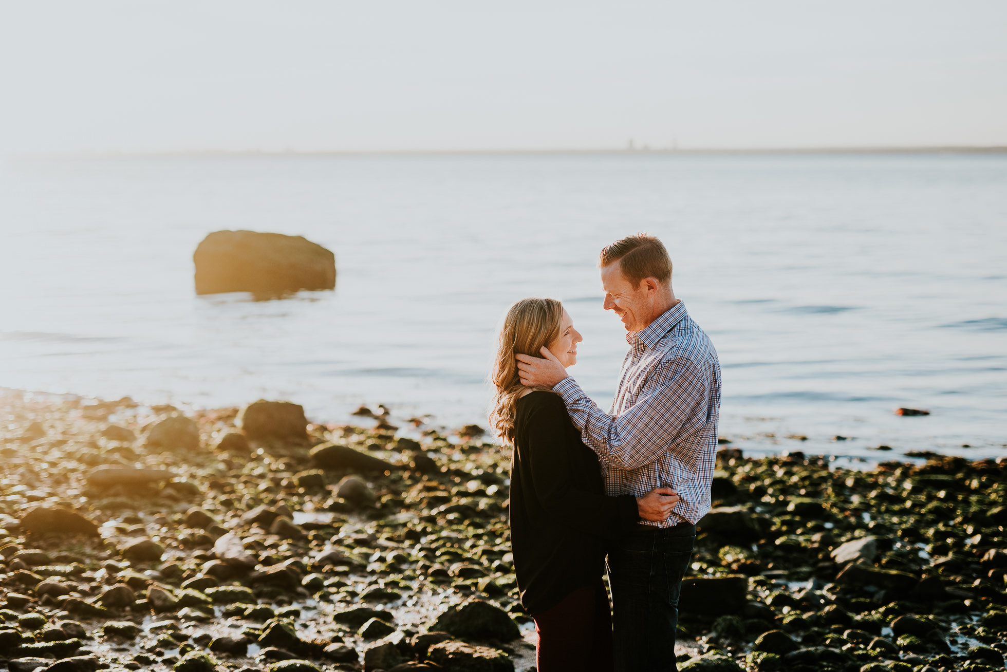 sunset couples portrait session photographed by Traverse the Tides