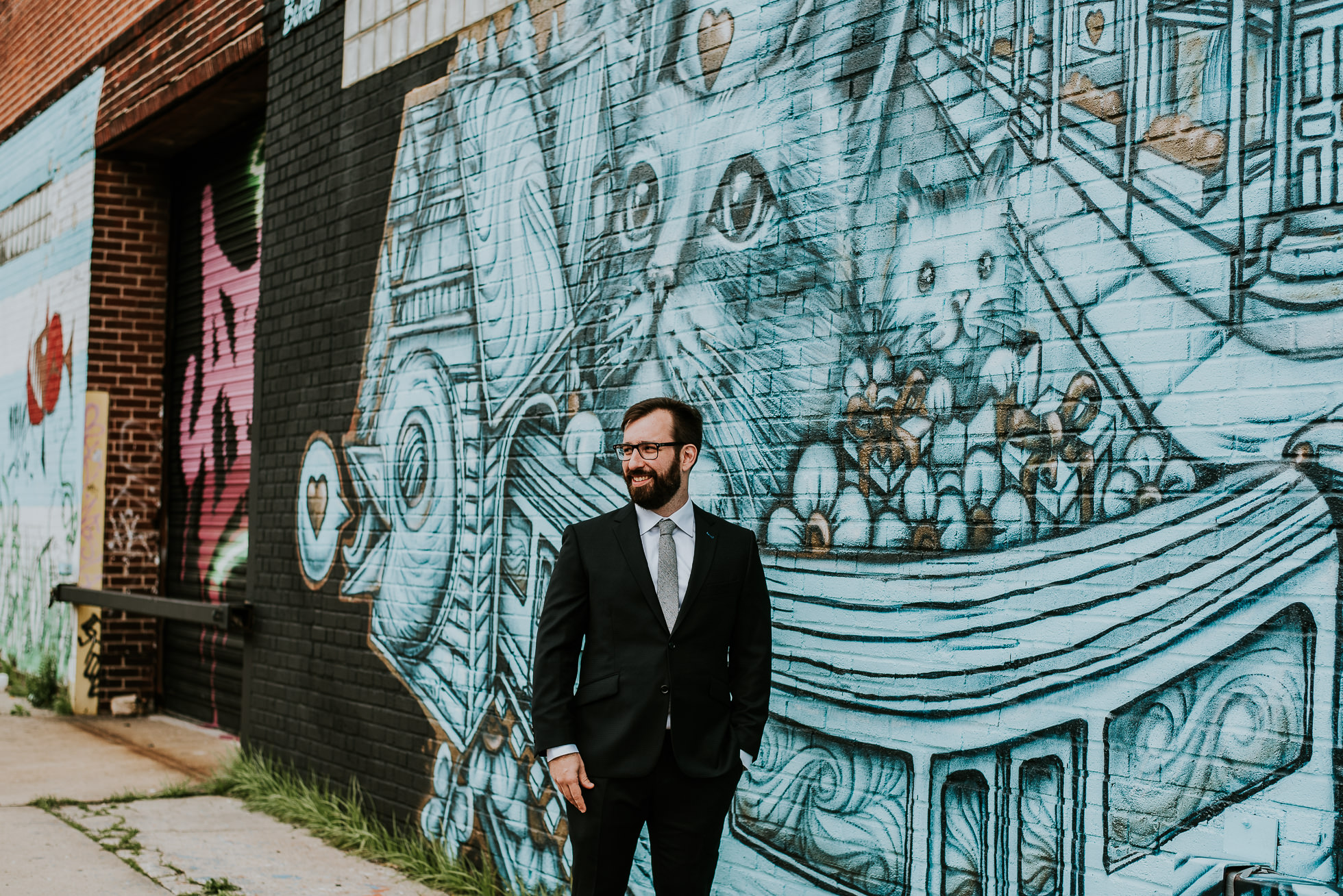 wedding photos graffiti photographed by Traverse The Tides