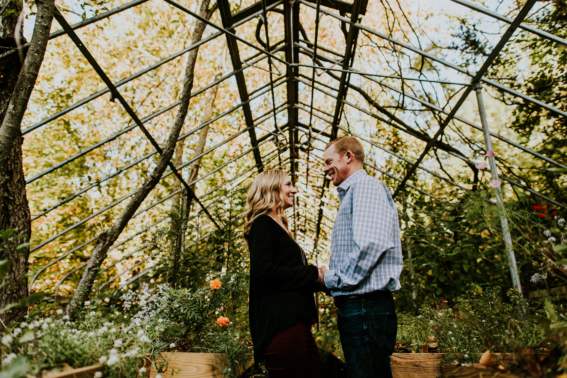 Welwyn Preserve engagement session photographed by Traverse the Tides