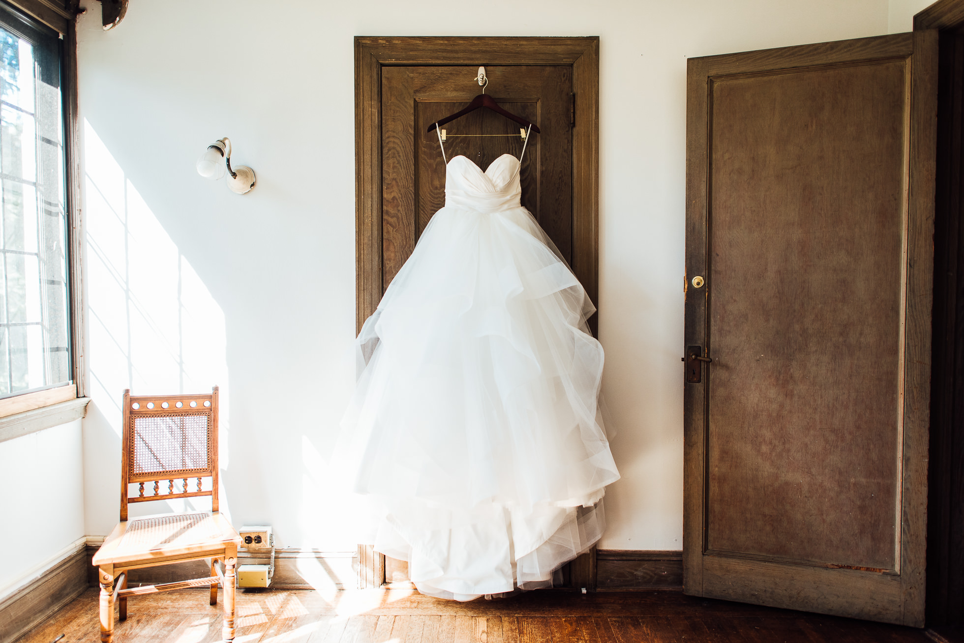 bride's wedding dress at lyndhurst castle photographed by traverse the tides