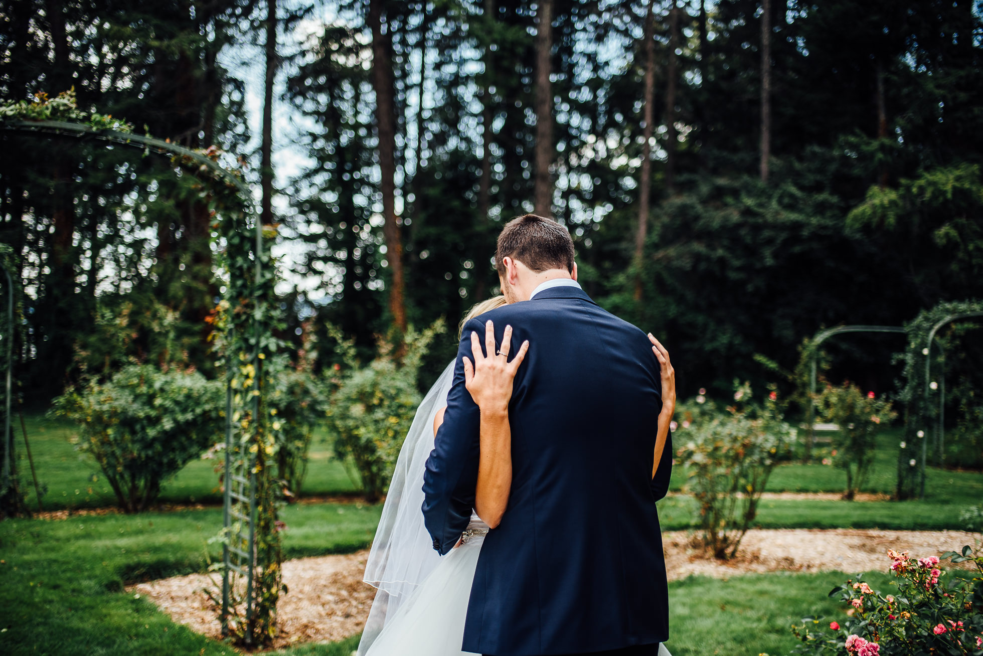 emotional first look at lyndhurst castle rose garden photographed by traverse the tides