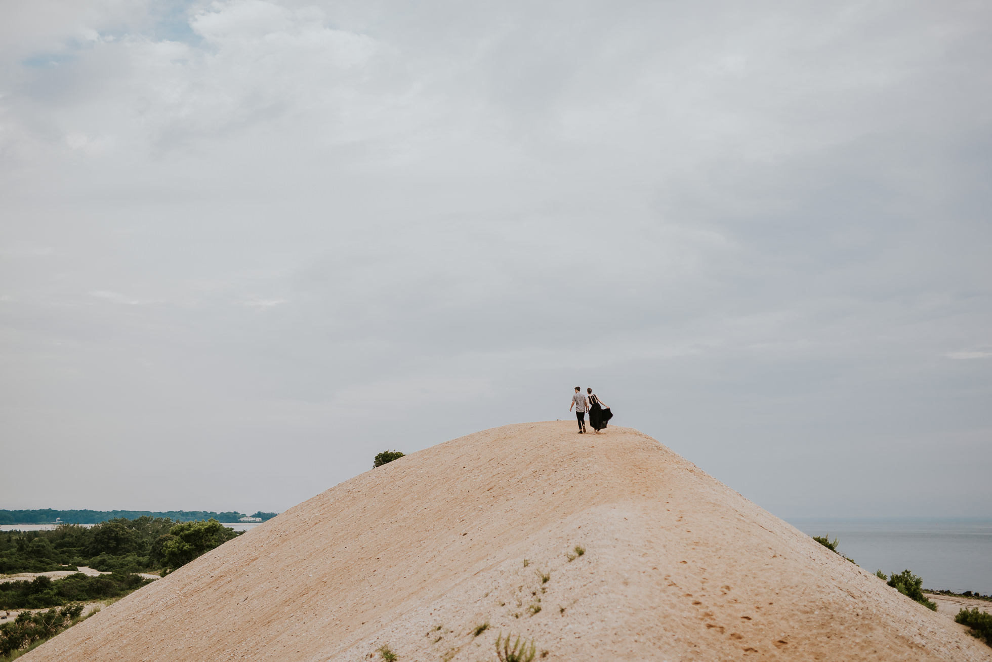 romantic engagement photos photographed by traverse the tides