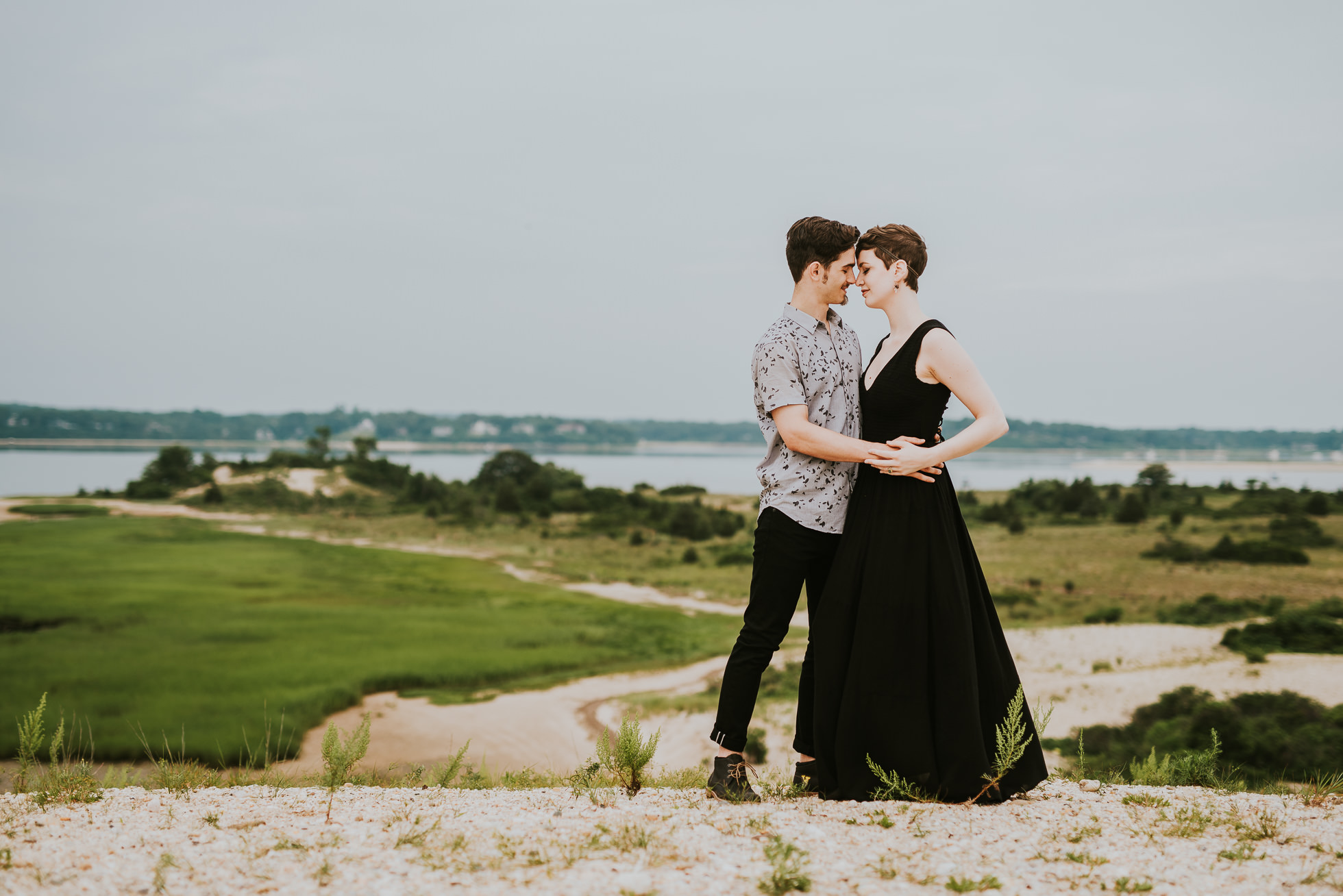 what to wear engagement photos photographed by traverse the tides