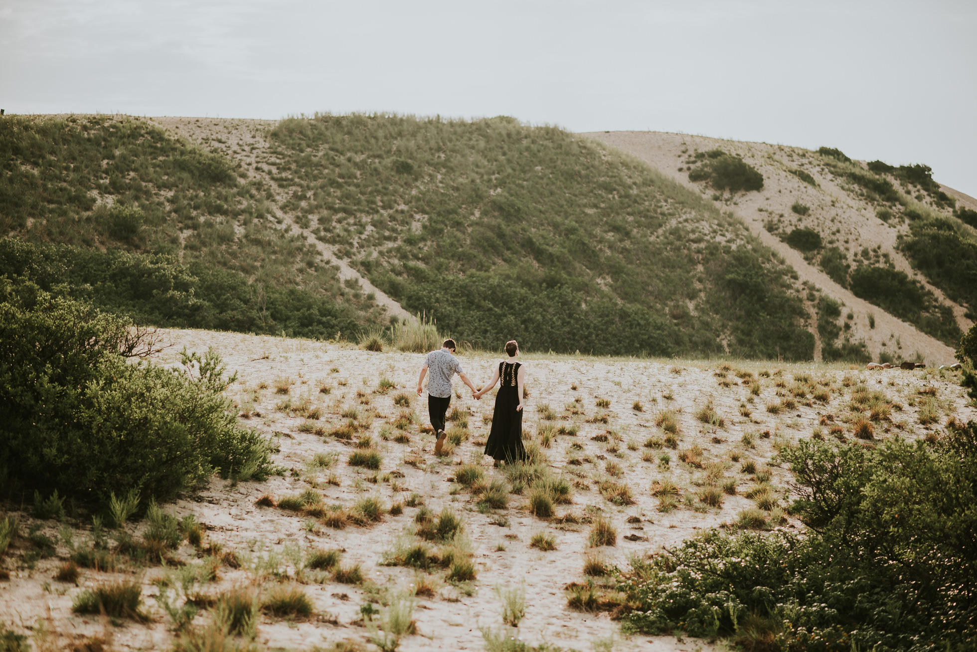 desert engagement photos photographed by traverse the tides