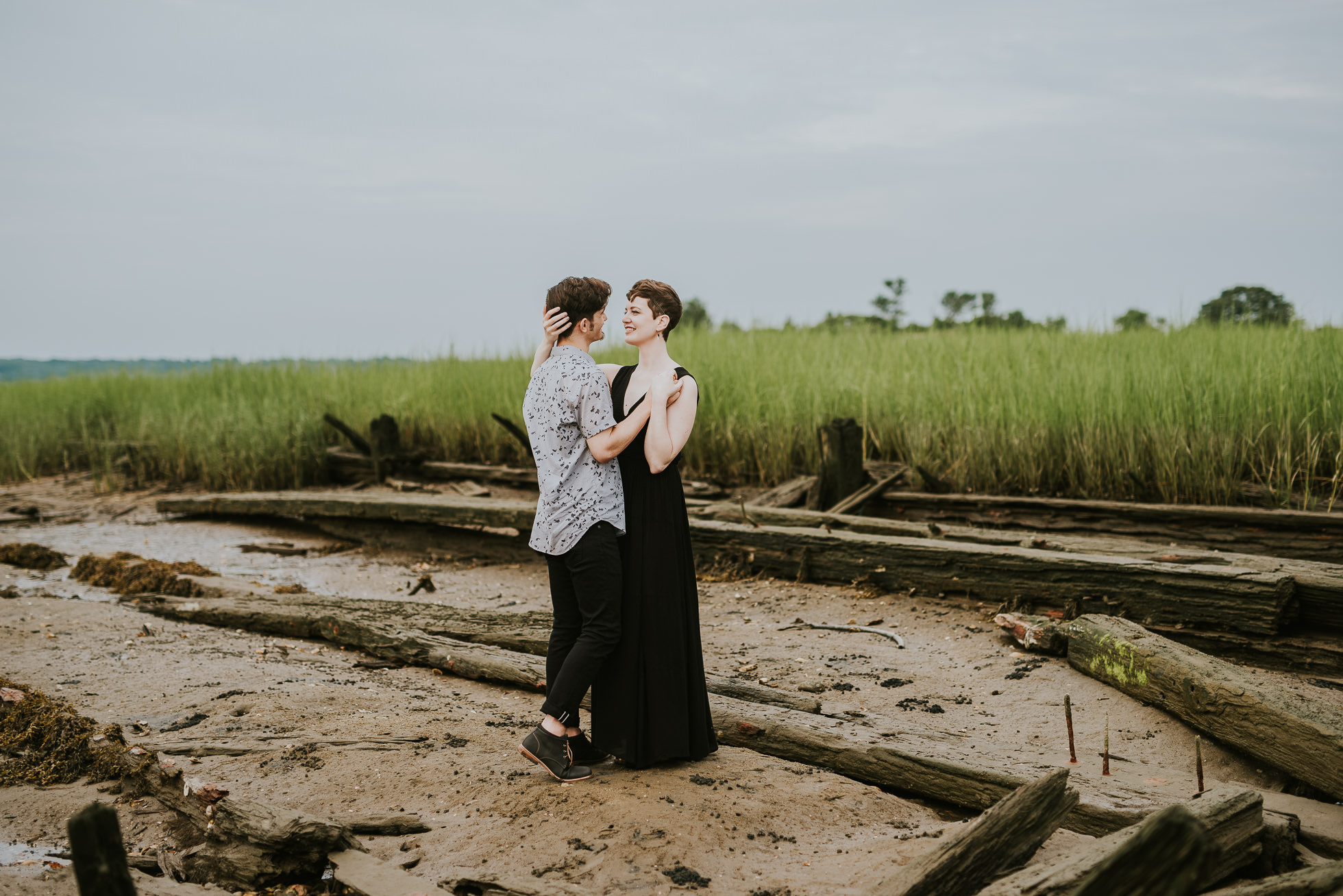 sea grass engagement photographed by traverse the tides