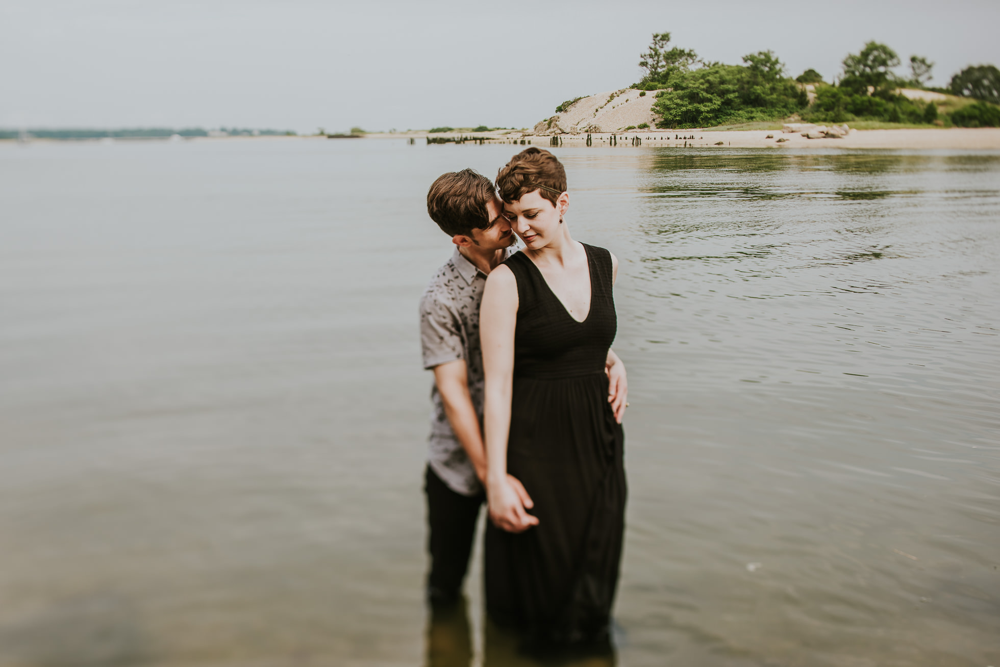 engagement session in water long island photographed by traverse the tides