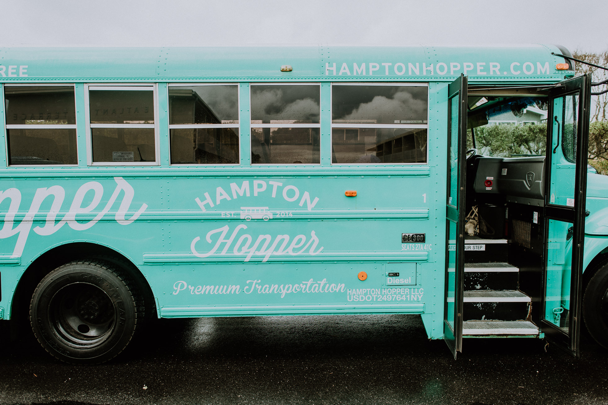 Hampton Hopper bus in Montauk photographed by Traverse the Tides