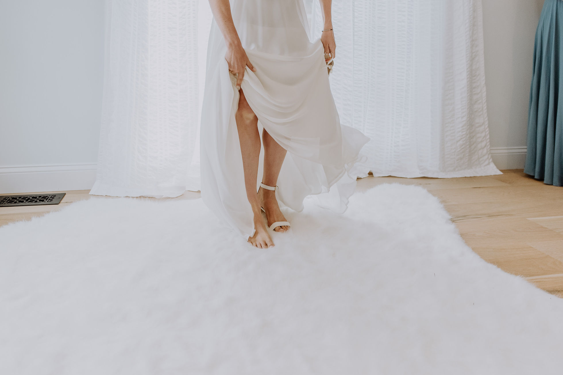 bridal gown Montauk wedding photographed by Traverse the Tides