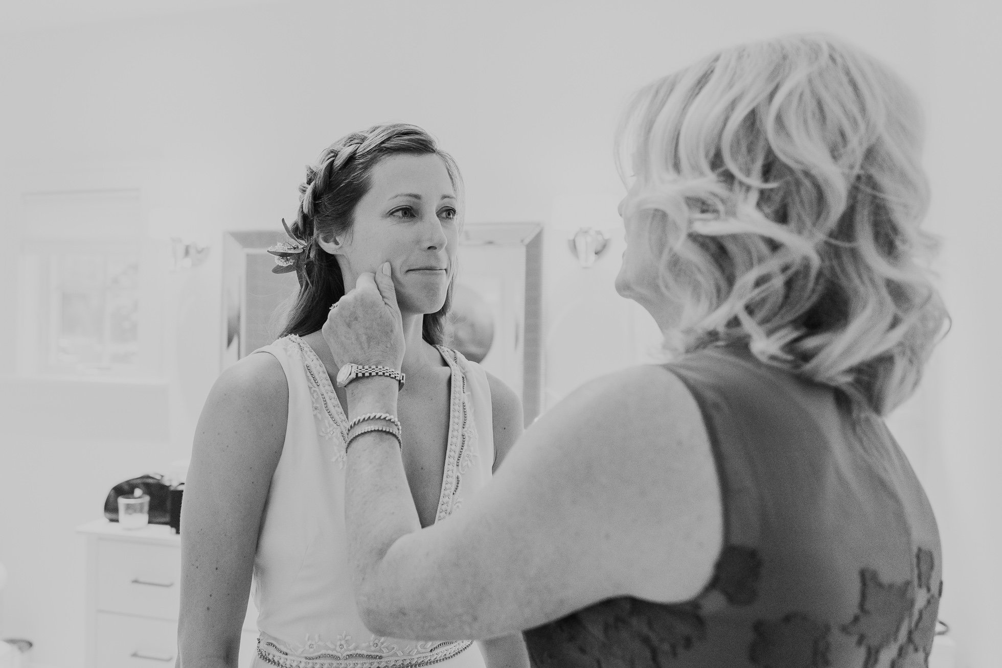 mom and bride Montauk wedding photographed by Traverse the Tides
