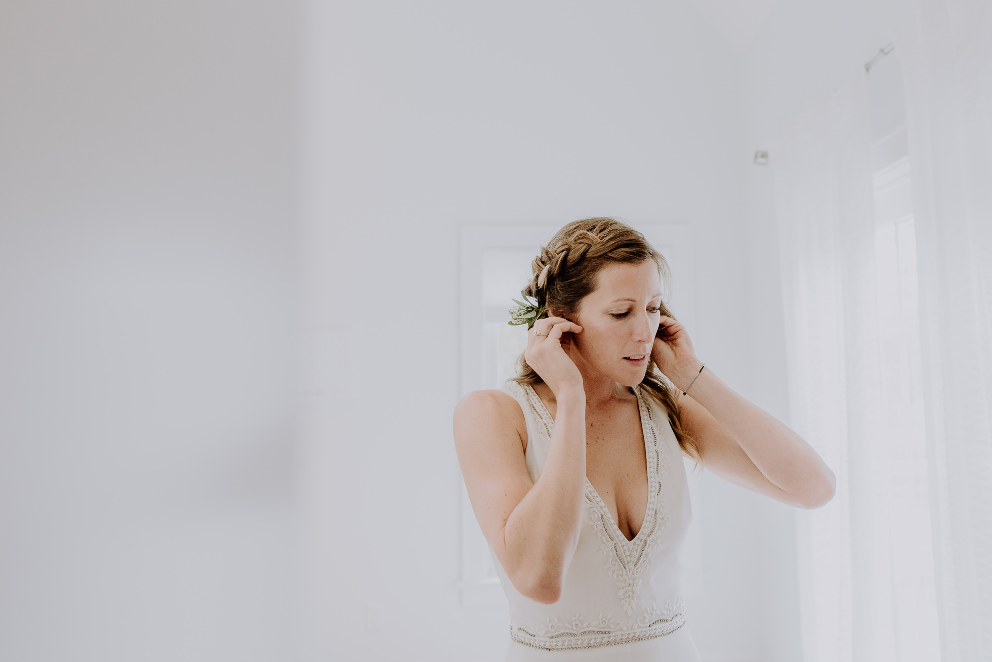 boho bride Montauk wedding photographed by Traverse the Tides