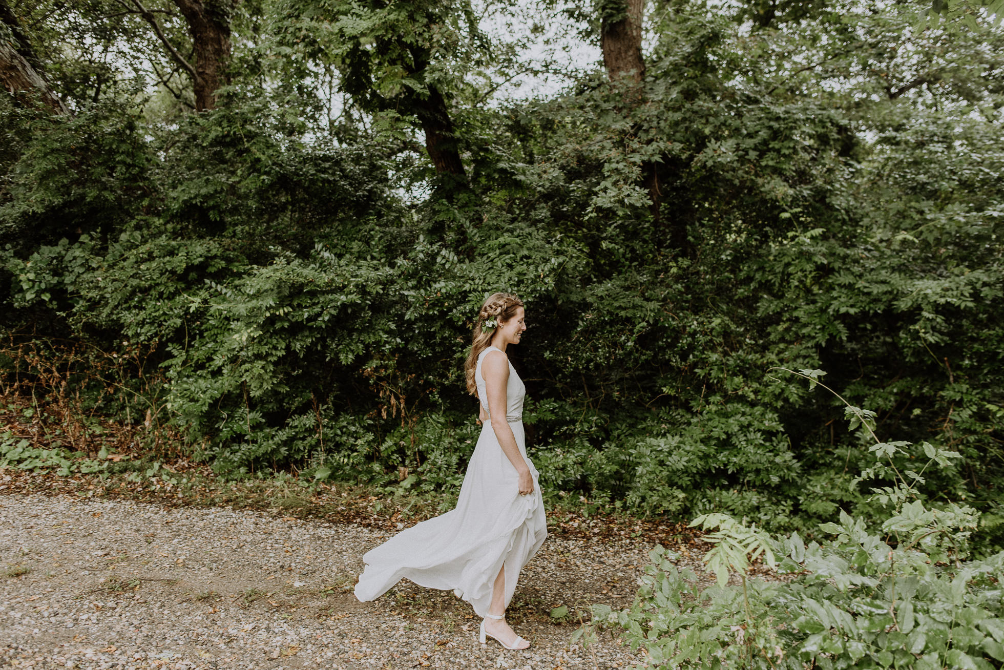 bride first look Montauk wedding photographed by Traverse the Tides
