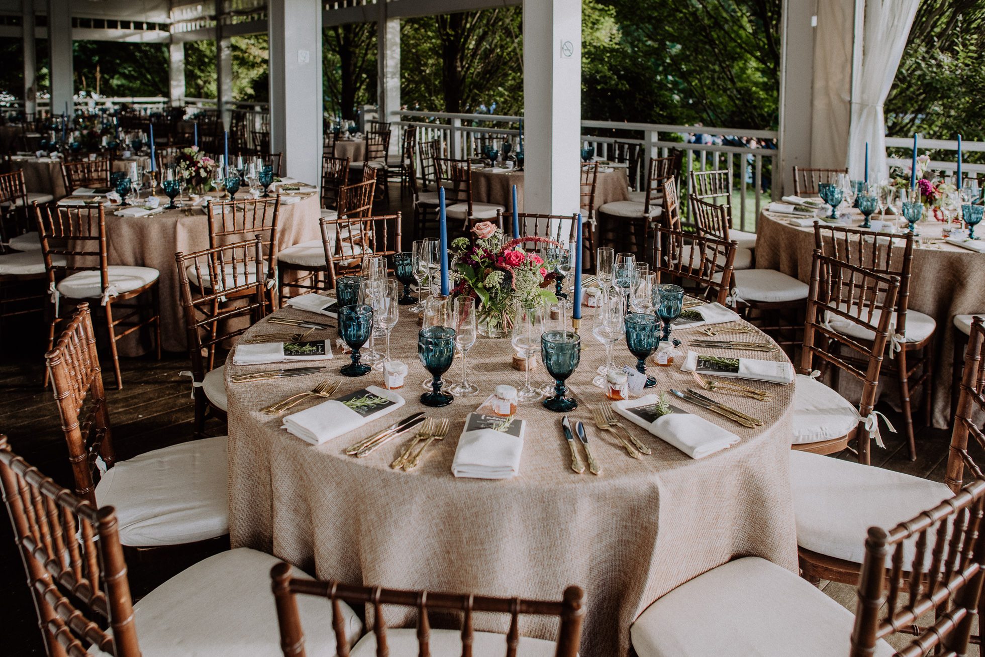 bedell cellars wedding tables