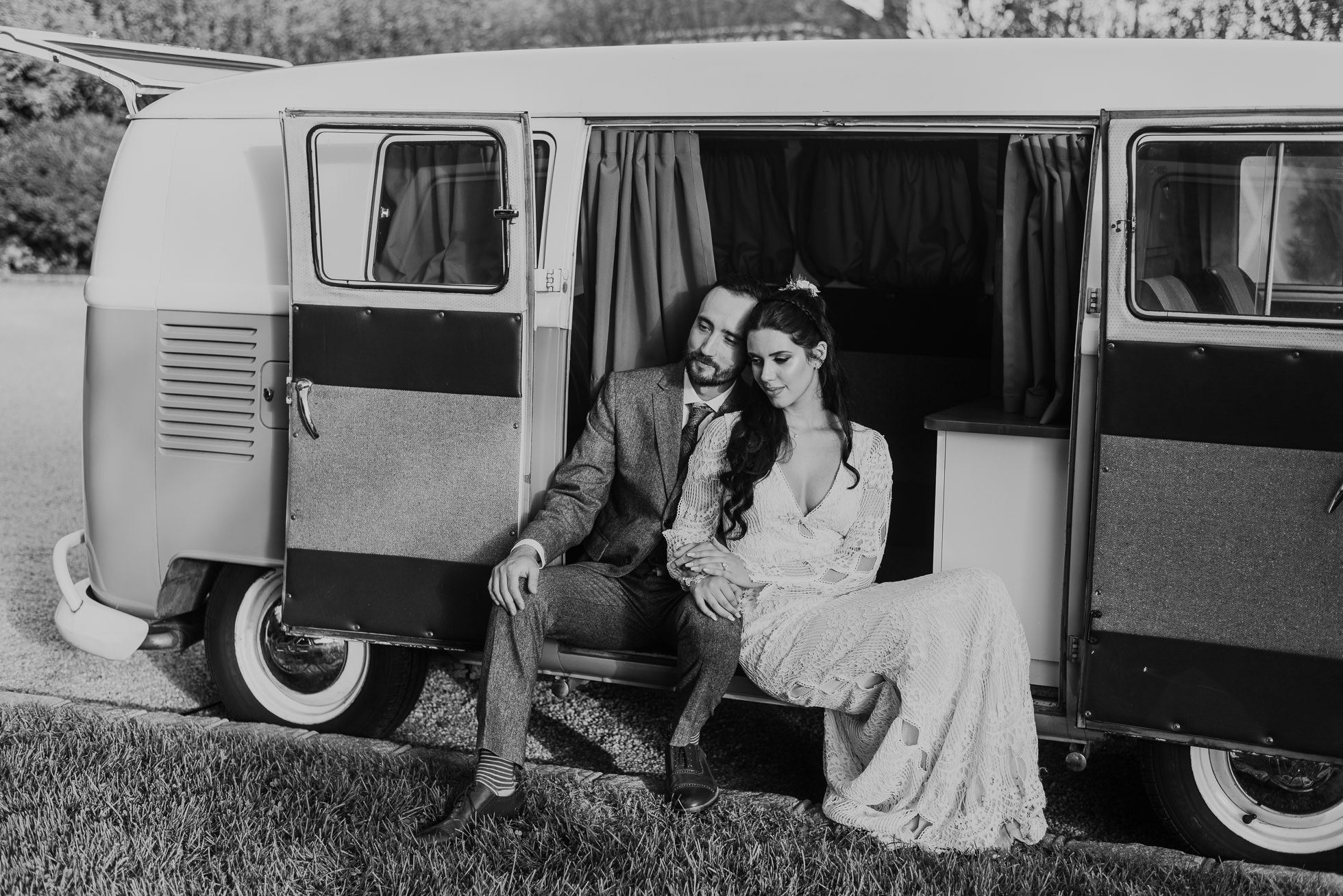 VW van wedding photos